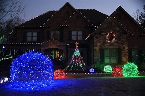 best christmas light decoration in point cook top 10 outdoor light ideas for 2018 pouted magazine