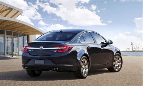 buick reagal 2014 buick regal debuts with all wheel drive in new york