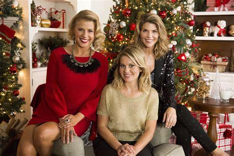 lori loughlin hallmark christmas movies countdown to christmas preview show hallmark channel
