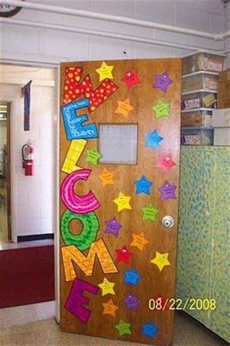design papan mading welcome back to school classroom door decoration idea