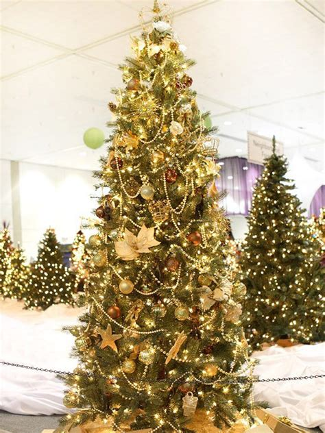 gold ribbons on christmas trees beautiful tree decorating ideas
