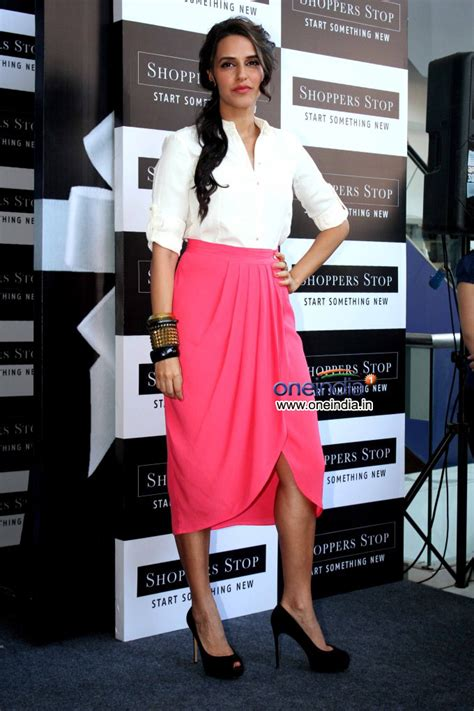 Shoppers Stop Gift Card - photos shoppers stop gift card launch pictures images 225398 filmibeat gallery