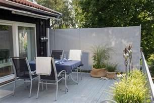 seitlicher sichtschutz terrasse windschutz f 252 r terrasse und balkon w 228 hlen 20 ideen und tipps