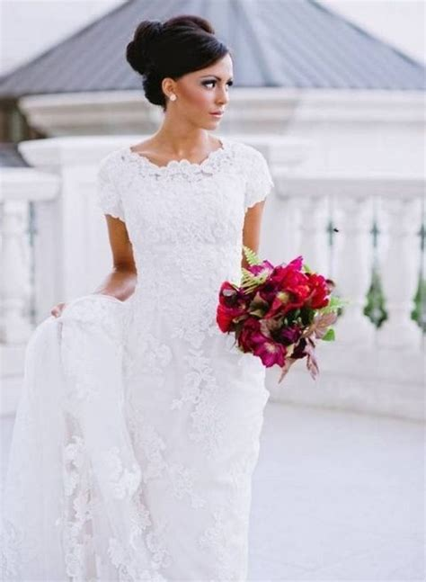 Short Sleeved Wedding Dresses – Embroidered Lace Appliques Short Sleeve Wedding Dress