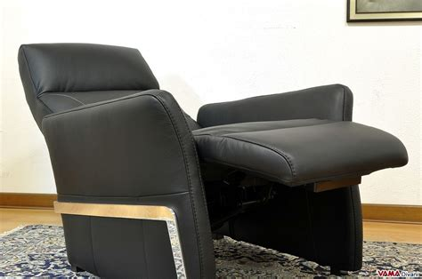 leather armchair recliner reclining armchair in black leather with manual mechanism