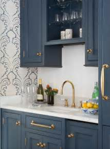 kitchens with colored cabinets 25 best ideas about cabinet colors on pinterest kitchen