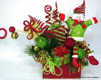 christmas hat floral top hat centerpiece floral by cabincovecreations on etsy