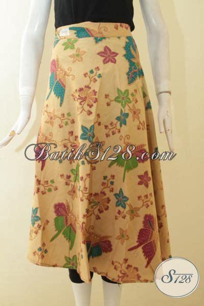 Rok Batik Panjang Bawahan Batik Rok Dewasa Rok Kantor Kebaya busana batik rok kuning motif bunga bawahan batik untuk