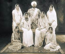 Maharaja Bhupinder Singh Rolls Royce Story Local Fashion Jewelry And Dress Of The Maharajahs Of India