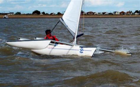 trimaran under sail 68 best ideas about katamarans y trimarans on pinterest