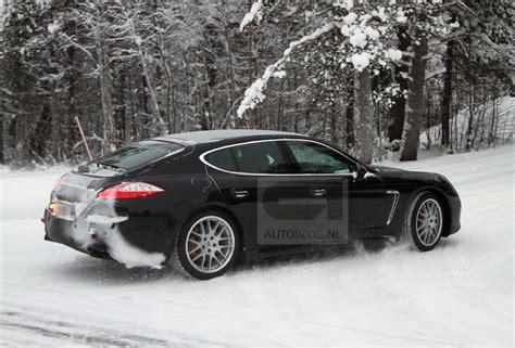 Porsche Panamera Facelift by Gesnapt Porsche Panamera Facelift In De Sneeuw Autoblog Nl