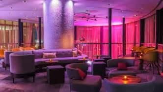 theke wohnzimmer lilt lounge downtown miami bars kimpton epic hotel