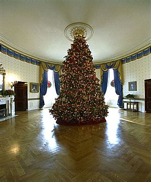 1996 blue room christmas tree file 2002 blue room tree jpg wikimedia commons