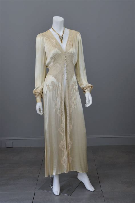 Robe Vintage - 1930s vintage silk and lace robe deco negligee robe