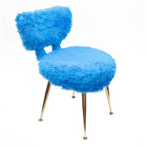 Chaise Et Bleue by Chaise Moumoute Bleue