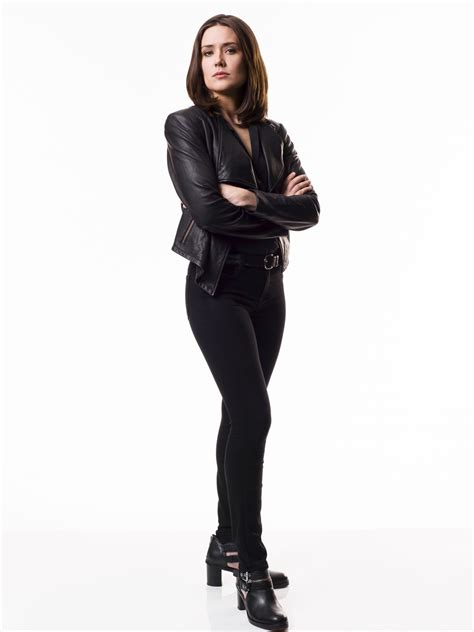 megan boone as elizabeth keen theblacklist the cast megan boone the blacklist season 3 promoshoot