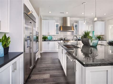 How To Give Your Kitchen Cabinets A Facelift Consider Giving Your Kitchen Cabinets A Facelift