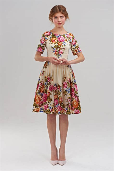Flower Printed Puffball Skirt For A Summer Garden by 1950s Style Wool Dress With Floral Print Quot Quot Mrs