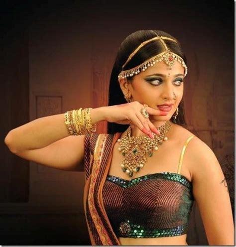 film rudrama devi biography hot and bold anushka shetty bollywood actress style