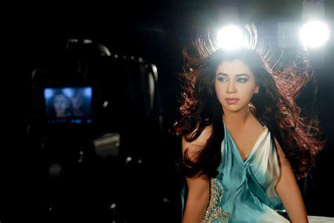 music pk komal rizvi sings aa re aa for upcoming pakistani movie