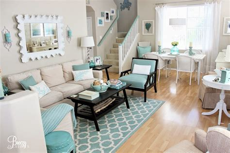 house of turquoise living room guest blogger breezy from breezy designs house of
