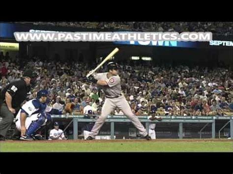 buster posey swing analysis buster posey slow motion home run baseball swing hitting