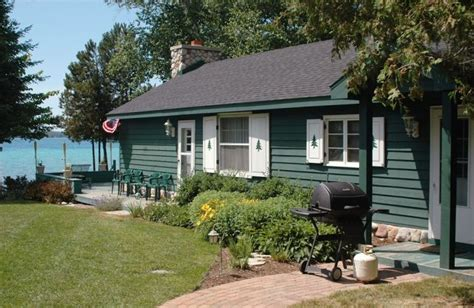quaint cottage on beautiful torch lake michigan vrbo