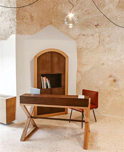 Cave Decor by La Dimora Di Metello Hotel In Matera Interiorzine