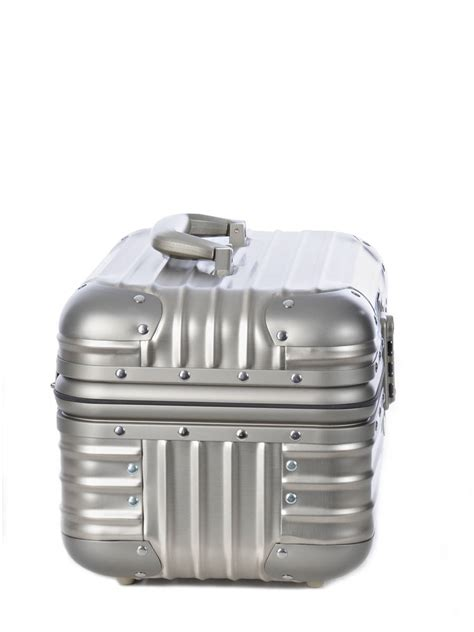 Rimowa Shell Toiletry 17 X 11 X 5 Cm rimowa topas titanium best prices