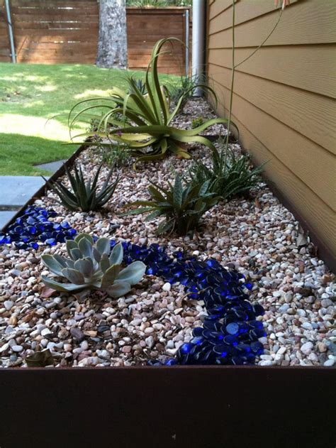 backyard landscaping ideas with rocks best 25 river rock landscaping ideas on