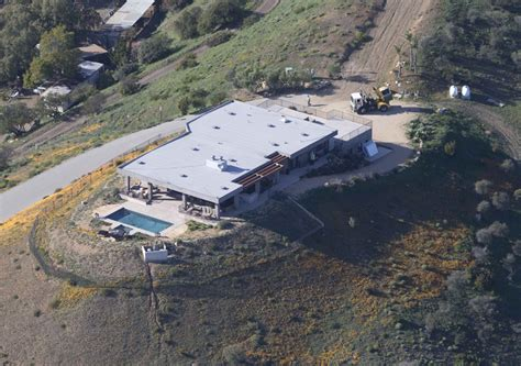 bruce jenner house source reveals bruce jenner s female name is kaitlyn extratv com