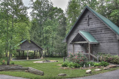 Cabin Rentals In Pigeon Forge Area by Pigeon Forge Cabin Rentals In Cedar Falls Resort