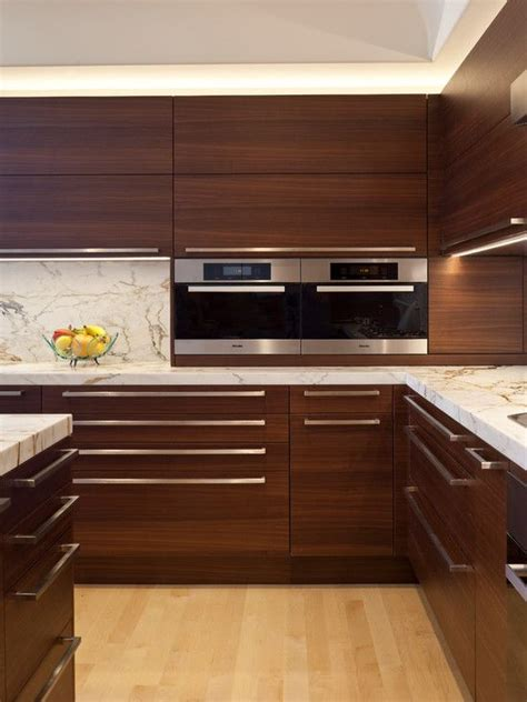 Modern Wood Kitchen Cabinets 25 Best Ideas About Modern Kitchen Cabinets On Pinterest Modern Kitchens Modern Kitchen