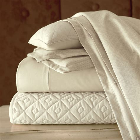 quilted velvet coverlet royal velvet 400tc wrinkleguard quilted coverlet