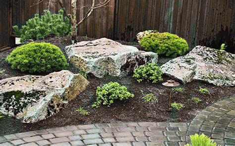 landscaping  large rocks ideas