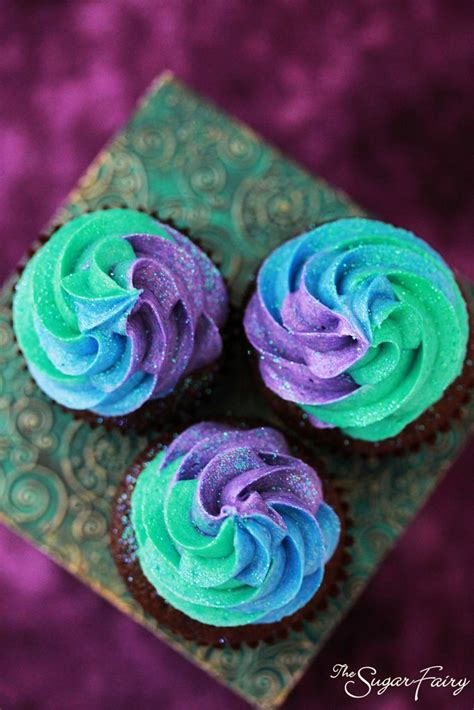 colored frosting tri colored frosting swirls heavenly cake cupcake