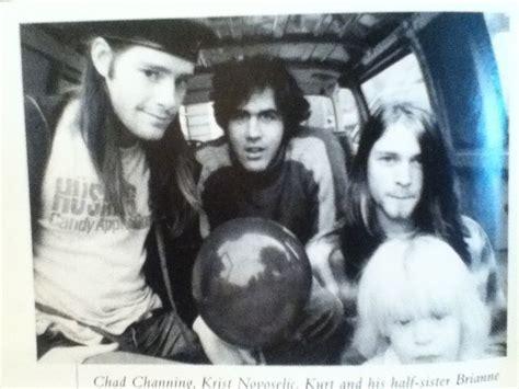 best kurt cobain biography the 25 best kurt cobain biography ideas on