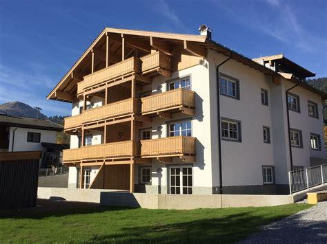 Madeline Blouse House Of Staya top apartamento novo e modernamente equipados 6781649