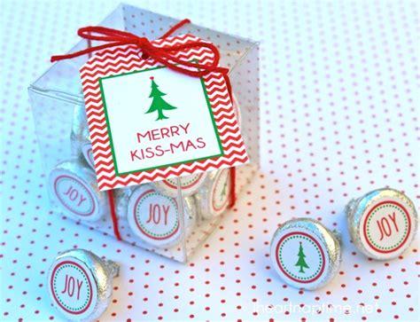 printable hershey kisses tags merry kiss mas 12 free christmas printables i heart
