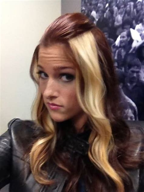 blonde in the front and brown and peekaboo highlights in pinterest cassadee pope cassadee pope photo 35954661 fanpop
