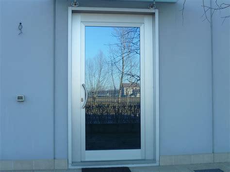porte in alluminio per esterno porte da interno esterno e portoncini serramenti pivato