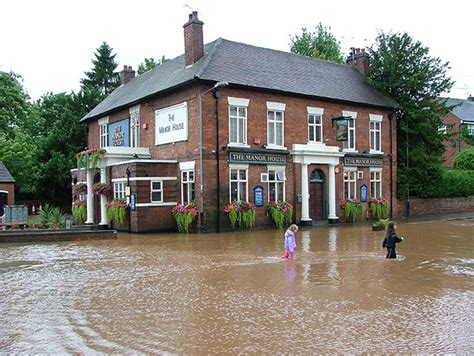 flooded house manor house flood of july 20th 2007 169 mark fennell geograph britain and ireland