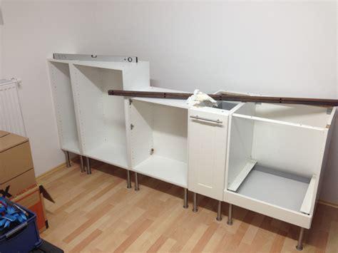 besta mit arbeitsplatte eigenbau werkbank aus k 252 chenschr 228 nken und ein paar mdf