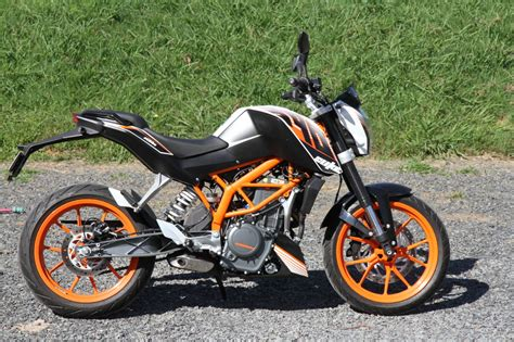 Ktm Duke 390 Test Test Ktm Rc390 And Duke 390 Bike Rider Magazine