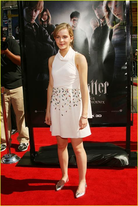 Watson Wears Chanel Again At The Harry Potter La Premier by Fashion Faceoff S Chanel Show Photo 481011