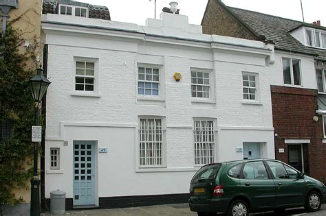 Flat Roof House some modern houses in the london borough of kensington and
