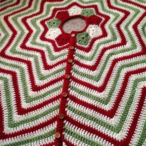 christmas ripples tree skirt pattern 17 best crochet christmas stockings images on pinterest