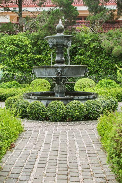 dorable fountain garden english garden design