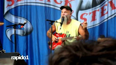 seasick steve dog house boogie seasick steve dog house boogie rock en seine 2011 youtube