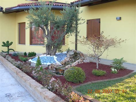 aiuole per giardini idee giardino aiuole
